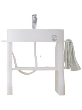 The Little Hot Air Balloon Wash and Brush Table